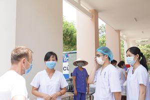 Sức khỏe 56 nhân viên y tế tại ổ dịch Bệnh viện Bình Chánh giờ ra sao?