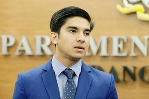 Cựu bộ trưởng thể thao hotboy của Malaysia lao đao vì mất tiền