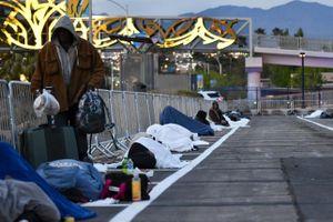 Người vô gia cư Mỹ lang thang tìm chỗ dung thân trong đại dịch
