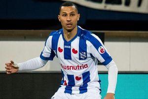 Heerenveen chia tay cùng lúc 5 cầu thủ phòng ngự