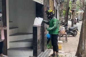 Hàng quán Hà Nội chuyển sang bán hàng online trong dịch Covid-19