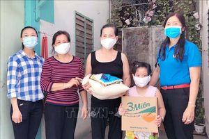 TP Hồ Chí Minh hỗ trợ lao động mất việc làm, giảm giá nhà trọ cho công nhân
