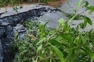 Sụt, lún nghiêm trọng trên đường tỉnh 965 qua U Minh Thượng