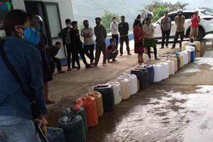Sơn La tái diễn tình trạng người dân xếp hàng mua xăng về tích trữ