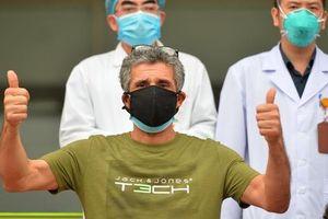 Nam bệnh nhân người Pháp nhiễm Covid-19 trong ngày khỏi bệnh: 'Tôi cảm kích tấm lòng của các bác sĩ Việt Nam'
