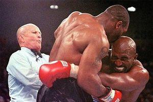 Mike Tyson và khoảnh khắc bị xử thua vì cắn tai đối thủ