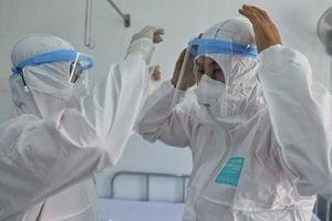 Việt Nam: 4.671 ca nghi mắc COVID-19, gần 80.000 người đang theo dõi y tế