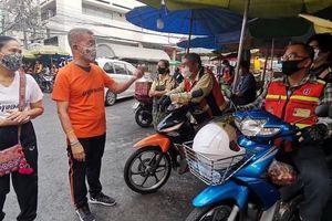 Thái Lan phát miễn phí khẩu trang vải cho người dân qua đường bưu điện