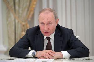 Nga kéo dài thời gian nghỉ làm việc trên toàn quốc đến 30/04