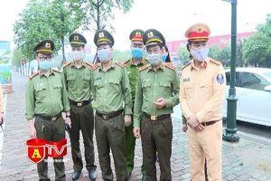 Giám đốc CATP Hà Nội kiểm tra chốt ứng trực tại các cửa ngõ ra vào Thủ đô