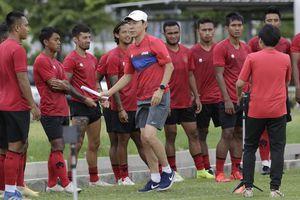 Indonesia tính giảm lương HLV Shin Tae-yong