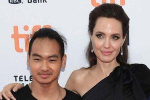 Angelina Jolie lên tiếng tin con trai chuyển trường vì dịch bệnh