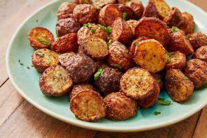 Nướng khoai tây bi nguyên vỏ với nồi chiên không dầu