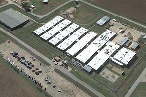 Nghịch cảnh về xà phòng và khăn giấy trong nhà tù Mỹ