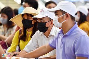 Cho phép taxi đón khách tại sân bay Nội Bài, ga Hà Nội