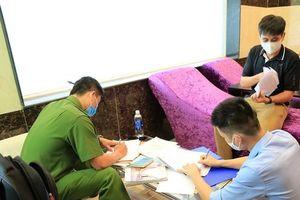 Phát hiện cơ sở massage hoạt động bất chấp quy định cấm