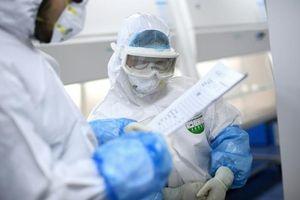 Phát hiện mới về sự lây nhiễm virus SARS CoV -2 từ người sang người