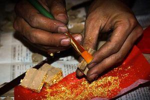 Làng dát vàng Kiêu Kỵ 400 năm: Công phu có 'một không hai' khi tạo sản phẩm