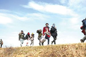 Châu Âu: Gánh nặng di cư khoét sâu mâu thuẫn