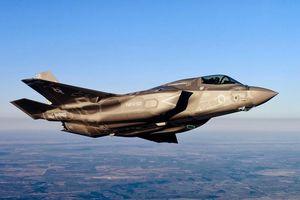 Sản xuất F-35 quá ồ ạt, Mỹ thiếu trầm trọng phi công điều khiển
