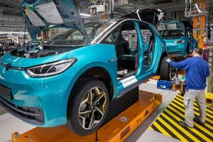 Công nghiệp ô tô Đức đau đầu tìm giải pháp ứng cứu thời Covid-19