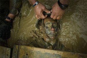 Cảnh huấn luyện khắc nghiệt tới 'rợn người' của lính Mỹ