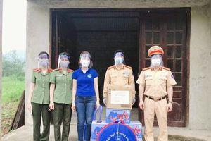 Hội LHPN TP Hạ Long trao hỗ trợ phòng, chống dịch Covid-19