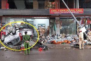 Ô tô tông liên hoàn nhiều người trong chợ sau va chạm xe chở rác