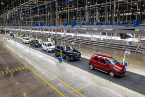VinFast và một loạt nhà máy ô tô tại Việt Nam tạm dừng hoạt động