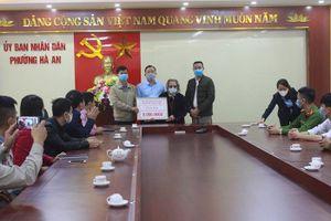 Tấm lòng Mẹ Việt Nam Anh hùng ủng hộ tiền chống dịch Covid-19