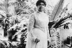Cuộc đời chìm nổi của Nữ hoàng cuối cùng của Vương quốc Hawaii