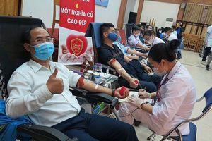 Hội Chữ thập đỏ Việt Nam kêu gọi hội viên phòng dịch Covid-19, vận động hiến máu an toàn