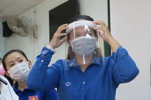 TP.HCM: Sinh viên ngành Y 'xung trận' chống dịch COVID-19