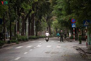 Hà Nội xử phạt người vi phạm 'hạn chế ra đường': Nhiều người đồng tình