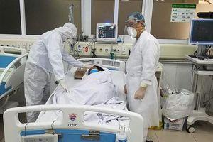 TP Hồ Chí Minh: Phi công người Anh nhiễm Covid-19 ở bar Buddha phải can thiệp tim phổi nhân tạo