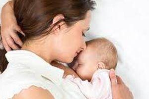 Không được chấm dứt HĐLĐ với lao động nữ nuôi con dưới 12 tháng tuổi