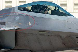 Tình trạng tiêm kích F-22 'già' nhất của Không quân Mỹ: Vỏ bong tróc vẫn bay được!