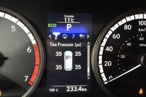 Dấu hiệu không ngờ nhận biết lỗi áp suất lốp xe ô tô