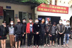 Hà Nội: Nhóm thanh niên tụ tập sử dụng cần sa