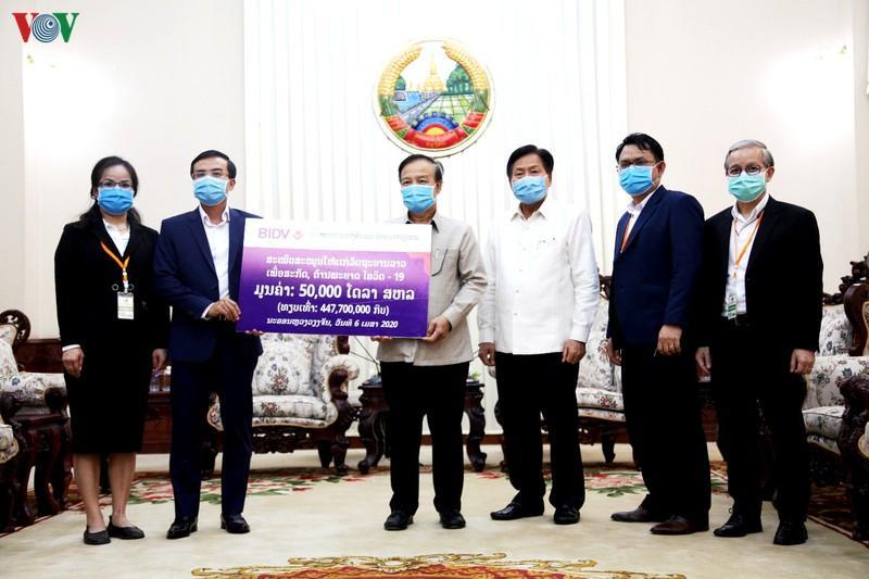 Lào đánh giá cao doanh nghiệp Việt Nam hỗ trợ phòng chống Covid-19