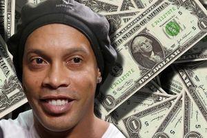 Ronaldinho hưởng đặc quyền tại khách sạn 4 sao