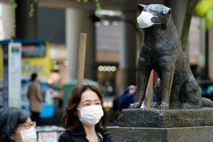 Tokyo đông đúc trong phong tỏa, ca nhiễm mới tăng cao chưa từng thấy