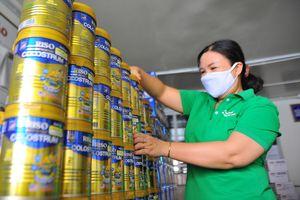 Nhãn Riso trao 600 phần quà tăng miễn dịch cho bệnh nhi mùa Covid-19