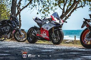 'Soi' siêu môtô Ducati Panigale V4 tiền tỷ độ tem Pramac