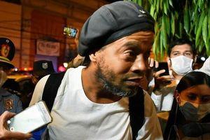 Ronaldinho được bảo lãnh ra tù