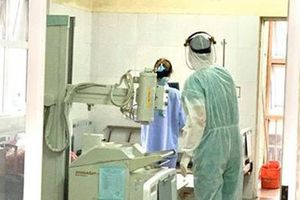 Bệnh nhân 50 âm tính rồi lại dương tính với Covid-19, PGS.TS Nguyễn Huy Nga: 'Ca bệnh chưa điều trị xong'