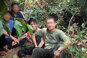 4 thợ rừng nhanh trí bắt nghi phạm giết người trốn giữa rừng