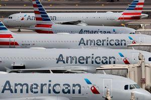 100 tiếp viên hàng không American Airlines nhiễm virus corona