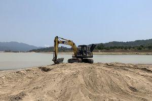 Cán bộ hồ thủy lợi bị hăm dọa khi kiểm tra 'cát tặc, đất tặc'
