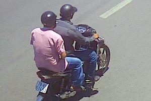 Hai gã đàn ông gần 50 tuổi đi cướp giật
